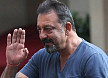 Sanjay Dutt declares victory over cancer