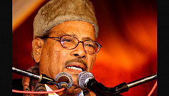 Manna Dey admitted to hospital