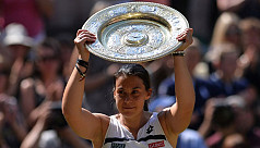 Bartoli routs Lisicki to win first Wimbledon...