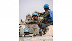 Bangladeshi peacekeepers give medical...