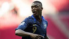 Arsenal sign Sanogo, Hamburg take Djourou...