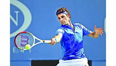 Federer, Djokovic roll at Open, teen...