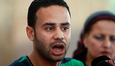 Egyptian youth leader backs army in...