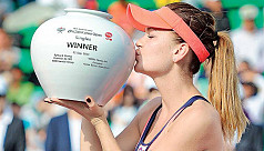 Radwanska storms back to win Korea...