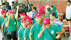 Govt sets target to send 1,200,000 Bangladeshi workers abroad