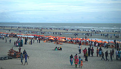 Vacationers cram hotels in Cox's Bazar...