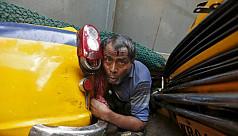 At least 17 dead in Kolkata flyover...