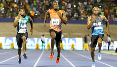 Bolt stumbles to victory in 9.88...