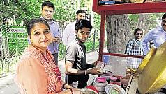 Indian millionaire woman sells chhola...