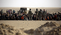 Mosul refugees trapped under IS fire...