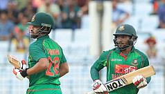 Plays of the day: Attacking Sabbir,...