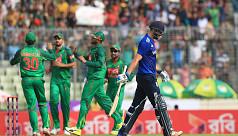 Plays of the day: Mashrafe's 50th ODI...