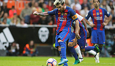 Late Messi penalty seals dramatic Barca...