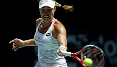 Kerber sets up final with