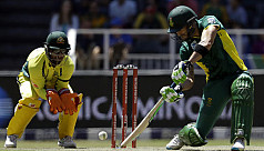Du Plessis ton lifts South Africa to...