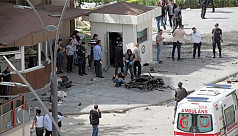 Suicide bombers hit Turkey near Syria...