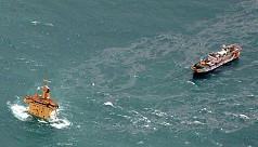 Somali pirates free 26 Asian sailors...