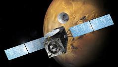 'Life on Mars' lander makes risky touch...