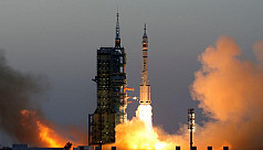 China launches longest manned space...