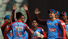 Plays of the day: Comilla's errors,...