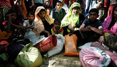 Hundreds of Rohingya cross into...