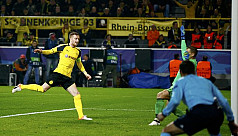 Dortmund run riot, Leicester march on...