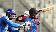 Plays of the day: Barisal's boundary...