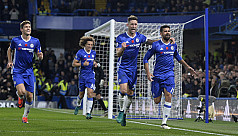 Sparkling Chelsea go top after City...