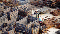 Four Bangladeshi workers die from heat...