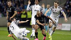 Juventus close in on quarters, Sevilla...
