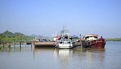 Dhaka rescinds aid flotilla's...