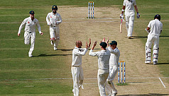 Lyon floors India with eight-wicket...
