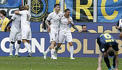 Milan snatch draw with Inter in first...