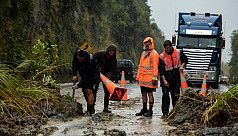 Thousands evacuated in New Zealand amid...