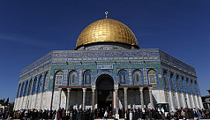 Jewish extremists ejected from al-Aqsa...