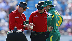 De Villiers angry at 'ball-tampering'...