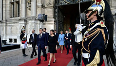 France's Macron to name PM on first...