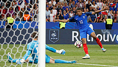 Ten-man France down England in lively...
