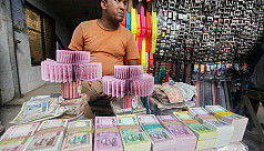 In pictures: Trading in new notes