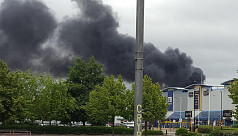 Fire in South London yard, 40 cars...