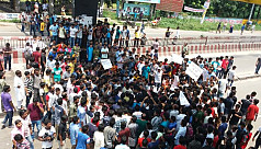 JU students vow to fight on for road...