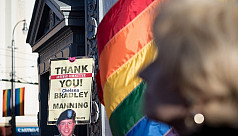 Trump bans transgender people from the...
