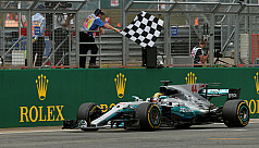 Hamilton wins British GP to close on...