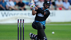 Worcestershire's Whiteley hits six sixes...