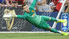 De Gea guaranteed to stay at United...