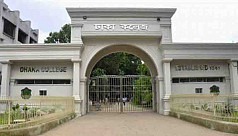 Dhaka College students block road over...