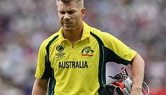 Warner hits back in bitter Australia...