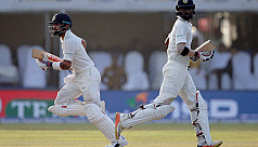 Kohli, Mukund punish Sri Lanka as India...