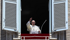 Pope Francis urges world leaders to...