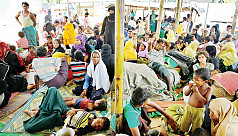 Thousands more Rohingya flee to border...